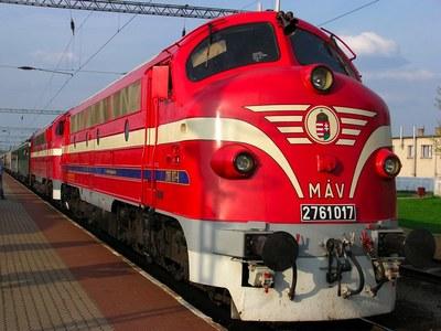 Ikonikus vonatokat mutat be a MÁV új Youtube-sorozata