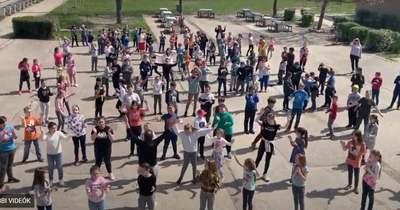 A szeretet táncát ropja a megye: sokan csatlakoztak a netet felrobbantó kihíváshoz