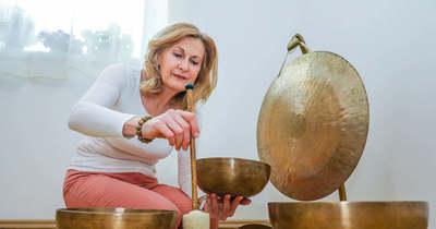 Harmonikus rezgés az egész világ – Radnai Zsuzsanna honosította meg a Hess-féle terápiát Magyarországon