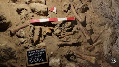 Kilenc neandervölgyi ember maradványát találták meg egy Rómához közeli barlangban