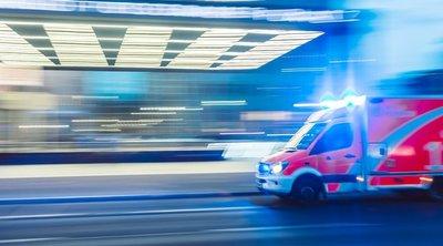 Mentőt riasztottak a 4 éves kislányhoz: édesanyja is bekerült a kórházba