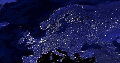 Több száz rejtélyes, fényes pont haladt át Magyarország fölött az éjjel: ez a magyarázat (videó)