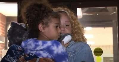 """""""Azt hittem, meg fogok halni"""" – mondta az anya, akinek a kislányával együtt lopták el az autóját – Videó!"""