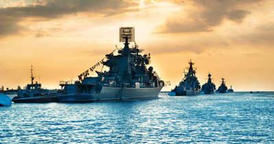 Ukrán-amerikai tengeri gyakorlat közben zavart be az orosz flotta