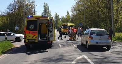 Motorosok ütköztek autóval Sóstónál
