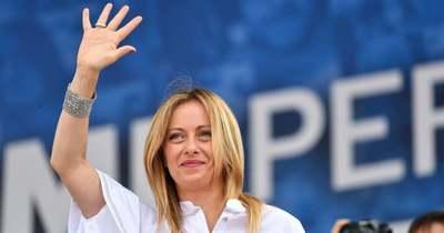 Meloni kormányra készül, Salvini népszavazást kezdeményez