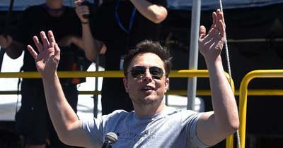 Elon Musk viccei miatt zuhant be a Dogecoin