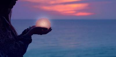 Napi horoszkóp május 11.: bár a kalandok csábítóak, a stabilitás hoz most boldogságot