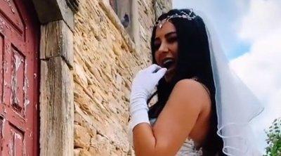 A dögös modell fenekét még az esküvőjén is csak egy fátyol takarta – 18+ videó