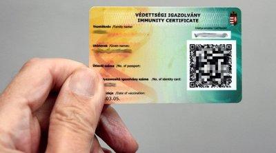 Beindult a hamisítási biznisz: 100-200 ezerért lehet védettségi kártyát kapni