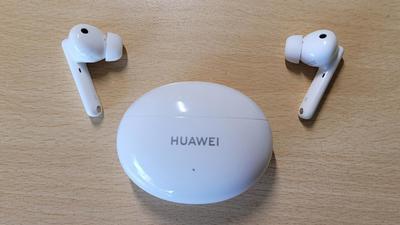 Ilyen egy jó és megfizethető, vezeték nélküli fülhallgató