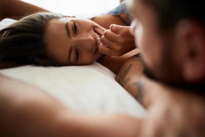Mire gondol egy férfi és egy nő az ágyban? Hát teljesen másra!