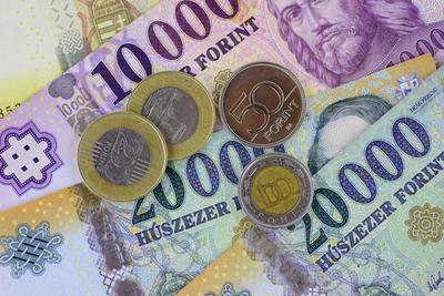 A járvány miatt 11 milliárd forinttal kevesebb adót kell befizetni