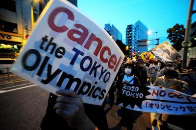 Egyre nagyobb a nyomás Japánon: le kell mondani az olimpiát