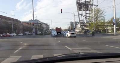 Egy olajfolt miatt áll egész Budapest