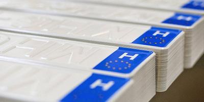 Reagált a minisztérium, ekkor jöhetnek az új formátumú magyar rendszámok