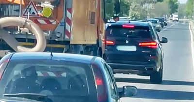 Sértődöttségből blokkolta a teljes sort az 51 úton egy BMW sofőrje