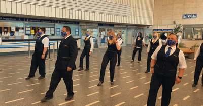 A szolnoki vasútállomáson is táncoltak a MÁV munkatársai