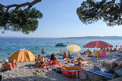 Nem elég a védettséget igazoló plasztikkártya a Horvátországba utazáshoz