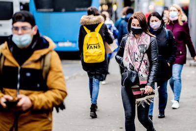 A beoltottaktól rettegnek a vírusszkeptikusok – Döbbenetes az oka!