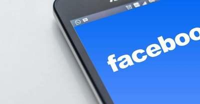 Több mint fél órán keresztül elérhetetlenné vált sok magyar politikus Facebook-oldala