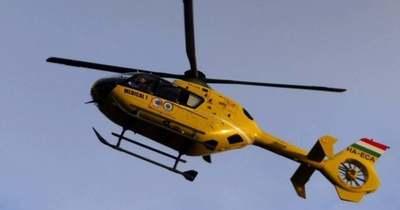 Mentőhelikopter érkezett: hárman sérültek meg a baranyai balesetben