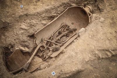 Cserépedényekben is temetkeztek az ősi nekropolisz területén