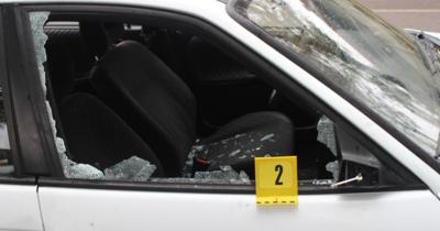 Kalapáccsal verte össze az autót egy szolnoki férfi, amiért megbírságolták