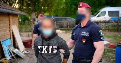 Embercsempészeken ütöttek rajta a készenléti rendőrök (videó)