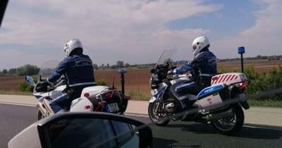 Motoros rendőrök akcióztak az M1-es autópályán – mutatjuk az eredményét a munkájuknak – fotók
