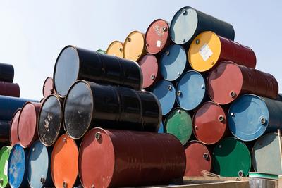 Véget ért az egy éven át tartó globális olajbőség