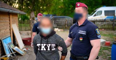 Videó: Tatán is embercsempész hálózat tagjaira csapott le a készenléti rendőrség