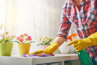 Nagyon sokan nem takarítják a hálószobának ezt a részét, pedig kellene! - Videó