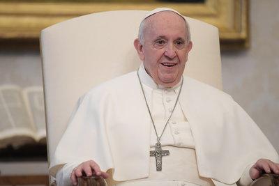 Budapestre jön Ferenc pápa: a Hősök terén fog szentmisét tartani