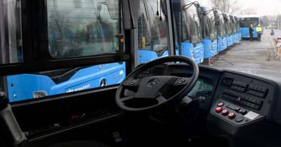Két autóbusz üközött Budapesten