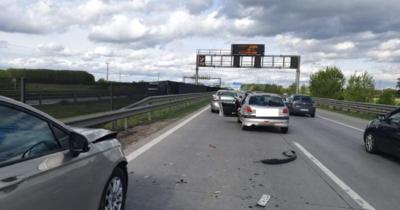 Beállt az M0-s, hármas baleset a keleti szektorban – Fotók!