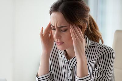 Ezek a tünetek árulkodnak az elhúzódó koronavírusról