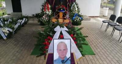 Országszerte megszólaltak a szirénák – Eltemették a zalai rendőrt, akit halálra gázoltak az M70-esen