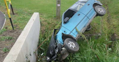 Ittasan balesetezett, jogsi nélkül, forgalomból kivont autót vezetett