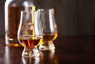 Ma van a whisky világnapja – Bártúrák és érdekességek a párlatok királyáról
