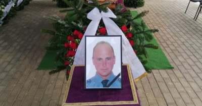 Országszerte megszólaltak a szirénák – Eltemették a rendőrt, akit halálra gázoltak az M70-esen