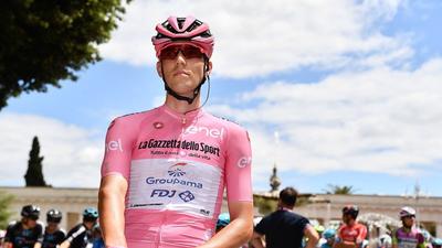 Valter Attila megőrizte a rózsaszín trikót