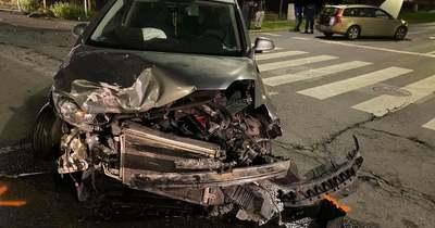 Összeütközött két autó Pécsen a Zsolnay Vilmos úton