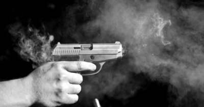 Felfoghatatlan tragédia: lelőtte szüleit egy 2 éves kisfiú, azt hitte, játék
