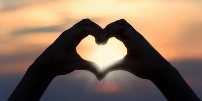 Neked mi a szeretetnyelved? Itt megtudhatod!