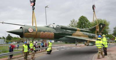 """Egy hónapra """"leszállt"""" a MiG-21-es a kecskeméti körforgalomból"""