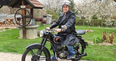 A zalai Poldauf Róbert családi hagyományt követve újított fel régi magyar motorkerékpárokat