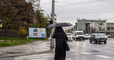 Sokáig nem élvezhettük a napsütést, estétől elő az esernyőkkel!