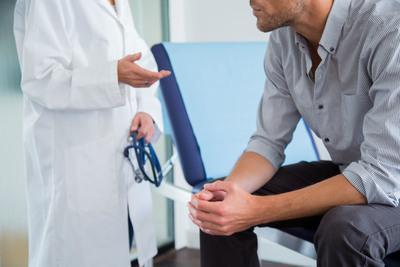 Rossz hír a férfiaknak: a péniszt is károsíthatja a koronavírus
