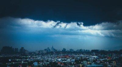 Több megyére riasztást adtak ki: Brutális vihar jön